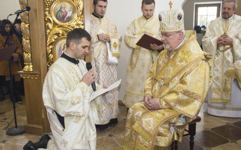 Владика Тарас рукоположив нового священика, освятив престіл та іконостас у с. Заболотівці на Жидачівщині