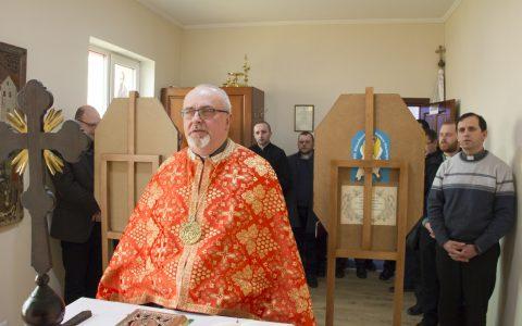 У єпархіальному управлінні молитовно вшанували Героїв Небесної Сотні