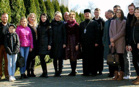 Подружжя з Нового Роздолу на духовній віднові у Кохавино