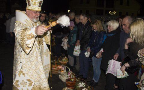 Владика Тарас очолив Пасхальні богослужіння у катедральному храмі
