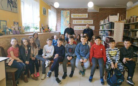 В Новому Роздолі та смт Гніздичеві діти дізналися про християнську відповідальність за створіння