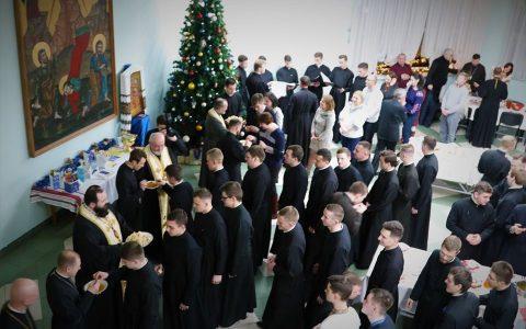Владика Тарас на Різдвяній Просфорі у Львівській Духовній семінарії