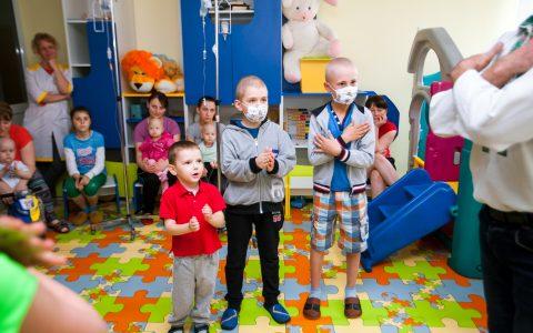 Кров на вагу золота: у Львові шукають донорів тромбоцитів для онкохворих дітей