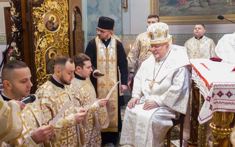"""""""Допоки не будете звіщати Євангеліє – ніхто не повірить в Бога"""", – владика Тарас до нововисвячених священників"""